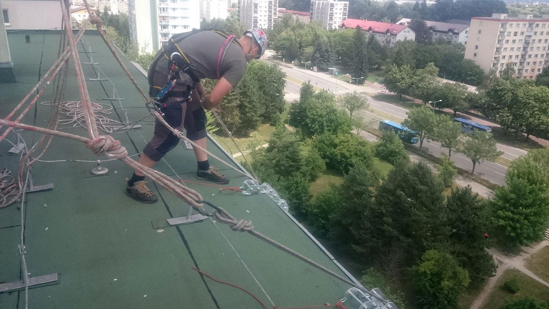 vyskove prace - Čistenie fasád, tmelenie, opravy